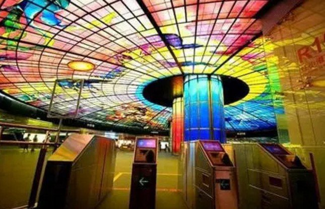 在台灣,有一種地鐵,叫捷運。(取自微信號直通台灣)