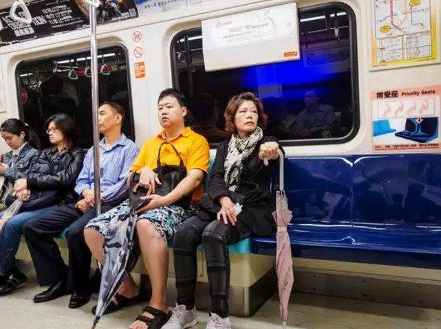 在台灣,有一種城市留白,叫博愛座。(取自微信號直通台灣)