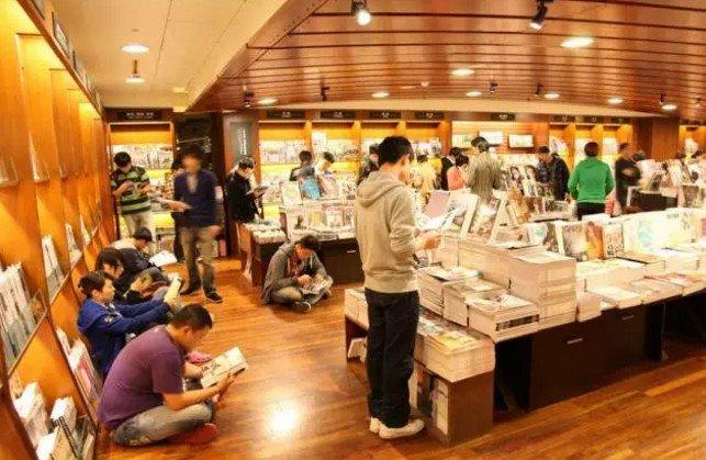 在台灣,有一種文化坐標,叫誠品書店。(取自微信號直通台灣)