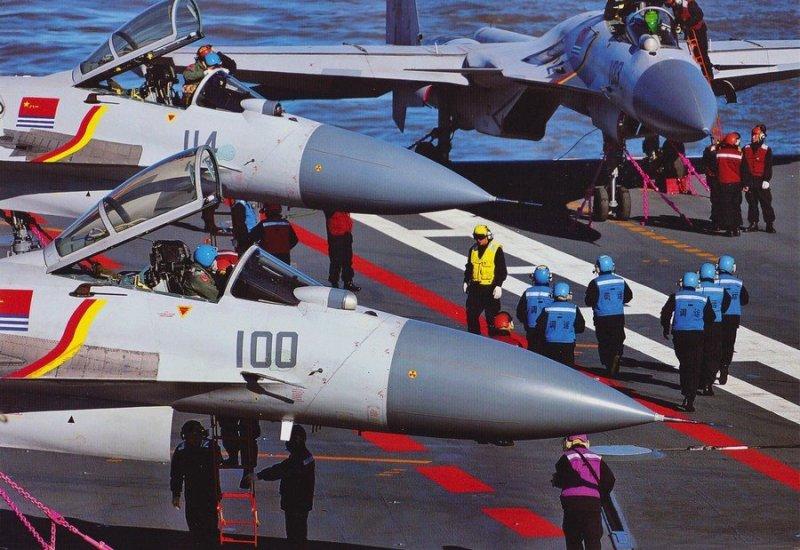 解放軍遼寧艦艦載機訓練的精彩畫面曝光,許多場面首次公開。(取自網路)