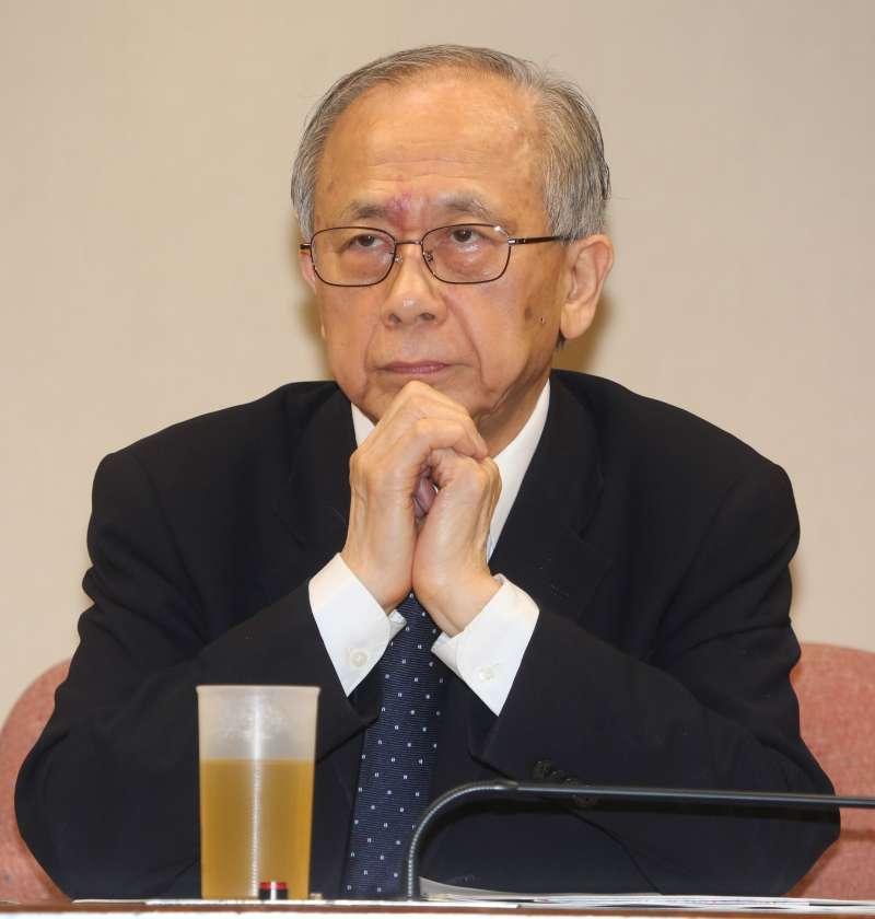「2014亞洲政經景氣展望」研討會,台經院董事胡勝正(余志偉攝)
