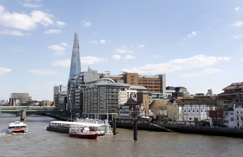 英國倫敦的泰晤士河畔。(美聯社)