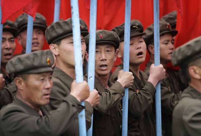 國家活動時掌旗的北軍人。(美聯社)