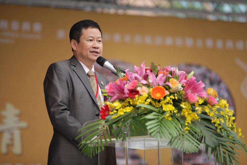 雲林縣環球科技大學校長許舒翔,在總統大選中,更成為蔡英文雲林後援會總會長,如今順利加入民進黨執政團隊,出任考選部次長。(取自許舒翔臉書)