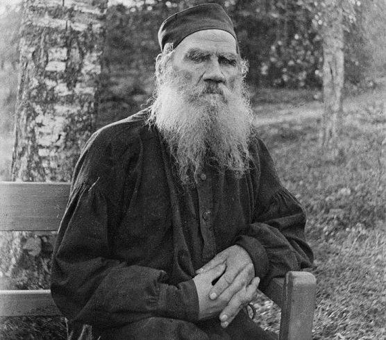 68歲的托爾斯泰(Wikipedia / Public Domain)