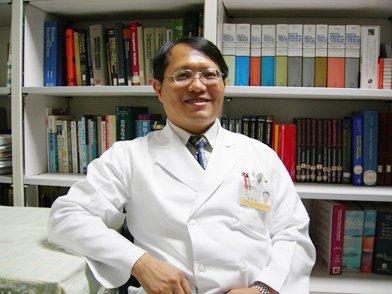陽明大學環境與職業衛生研究所專任副教授楊振昌認為,既然TdGA的來源不僅止於VCM,又如何證明學童體內的TdGA代謝物是來自六輕的汙染洩露?在科學上也不無道理。 (取自陽明大學網站)