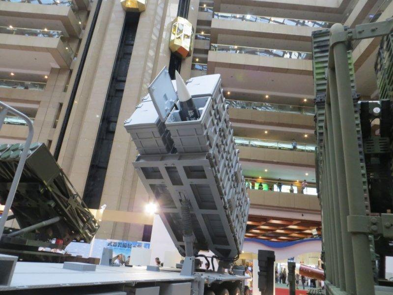 雄三陸上機動發射系統。(取自中科院網站)