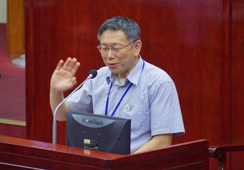 台北市長柯文哲接受市議員秦慧珠質詢。(盧逸峰攝)
