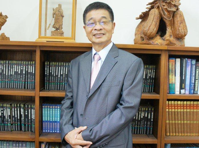 台灣老人福利機構協會榮譽理事長賴添福(取自鑫藝管理顧問公司網站)