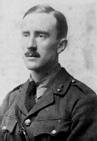 1916年,24歲的托爾金(Wikipedia/Public Domain)