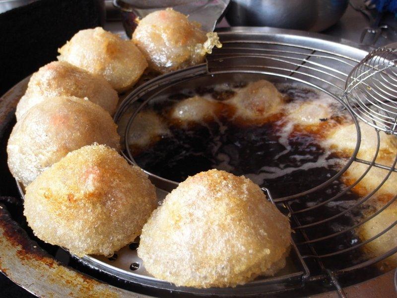 皮炸得酥脆的北門口肉圓。(圖/彰化小食記@facebook)