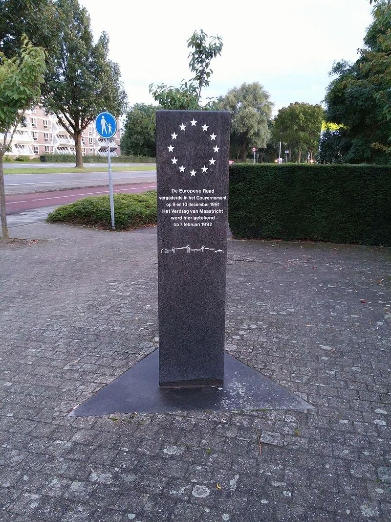 馬斯垂克條約簽定的紀念碑。(Dozura@wikipedia/CC BY-SA 4.0)