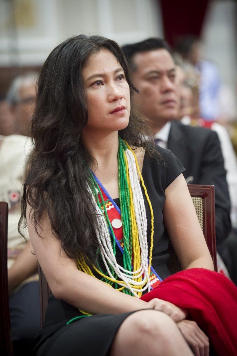 2016年8月1日,蔡英文總統代表政府向原住民族道歉,立委谷辣斯.尤達卡出席(總統府)