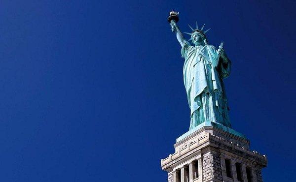 紐約自由女神像。(取自美加旅行資訊網)