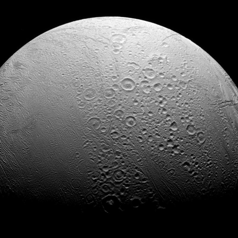 「土衛二」(Enceladus)(NASA)