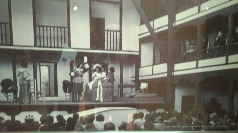重建後的「露天劇場」早期演出照片.jpg