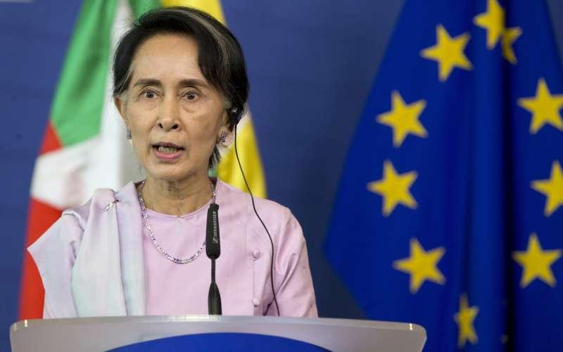 歐盟支持聯合國派人調查羅興亞人種族清洗問題,但遭到緬甸實質領導人翁山蘇姬直接拒絕(AP)