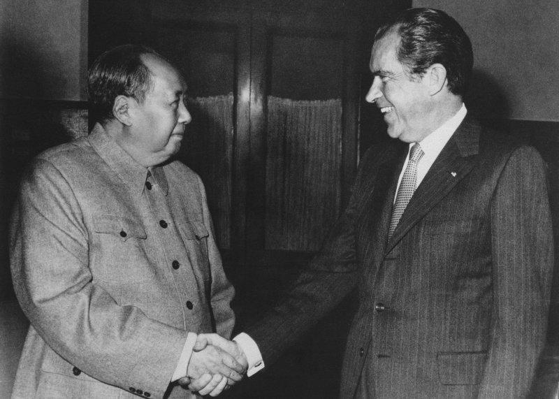 美國總統尼克森1972年訪問中國,會見中國最高領導人毛澤東(AP)