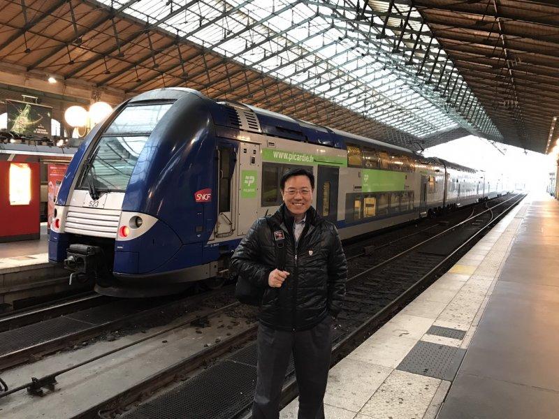 台南市副市長張政源強往歐洲考察輕軌和複合式軌道運輸系統。(圖由台南市政府提供)