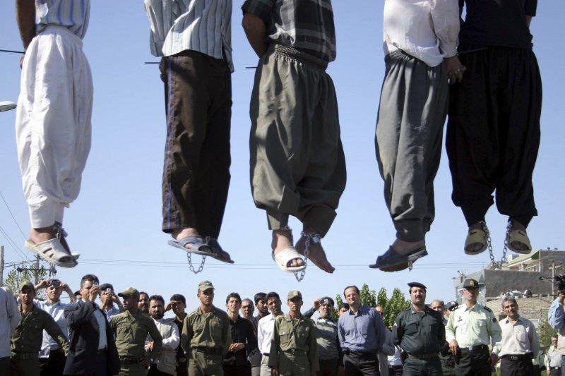 伊朗總統候選人來熙擔任法官期間,曾一次處決4800名政治犯。(美聯社)