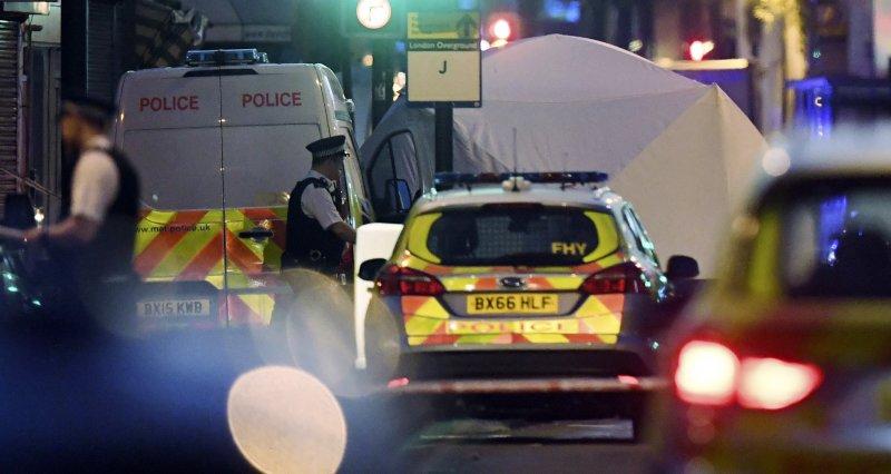 英國,倫敦,駕車衝撞,恐怖攻擊,清真寺,穆斯林。(美聯社)