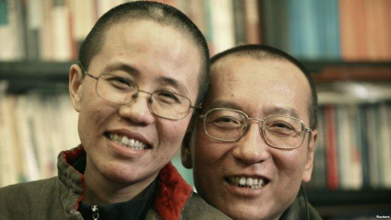 劉曉波的家人2010年10月發布的照片:劉曉波和妻子劉霞。