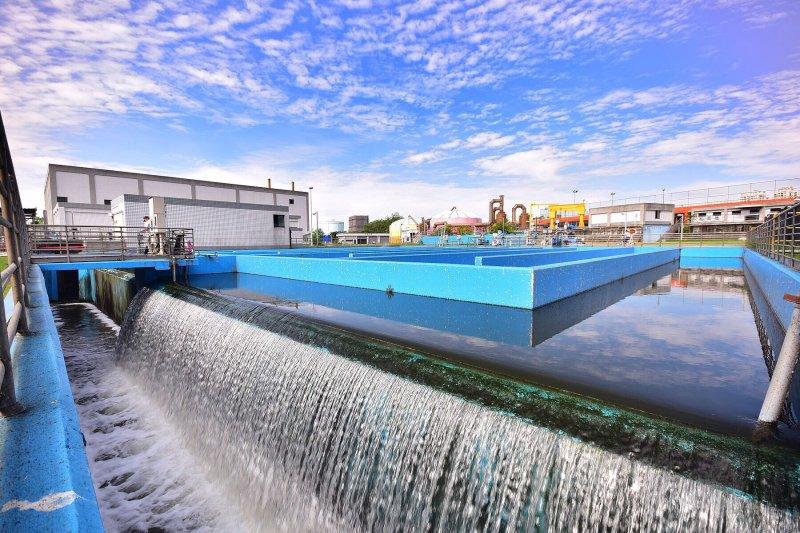 訪視前瞻水環境建設  林揆:再生水穩定大台中及彰化地區工業用水(行政院提供)