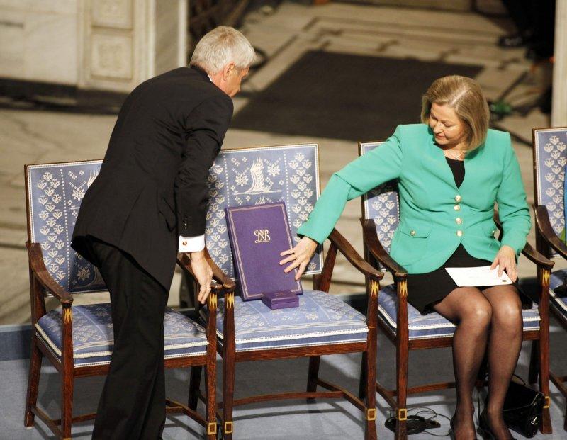 2010年12月10日諾貝爾和平獎頒獎典禮,委員會以空椅代表劉曉波(AP)