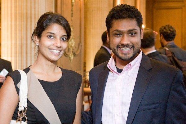 由左至右為Shradha Agarwal和Rishi Shah 。(圖/chicagobusiness)