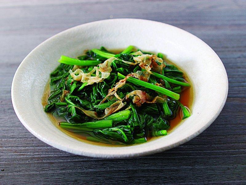 迅速燙一下即可的浸煮菠菜。(圖/凱特文化提供)