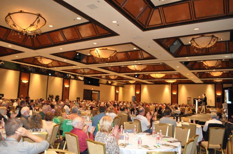 居住在美國鄉村的女性被視為直銷的「主力軍」,直銷商時常舉辦各式大會凝聚向心力。(圖/Michigan Municipal League@flickr)