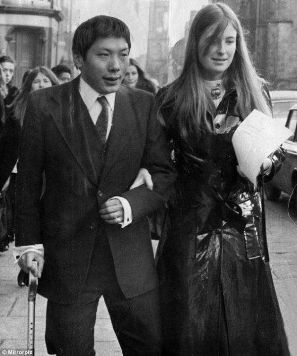 20170906-創巴車禍後與英國姑娘戴安娜结婚。(取自瑞典茉莉博客)