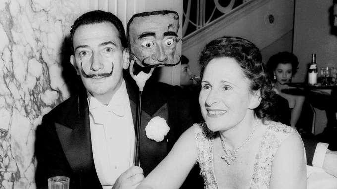 西班牙超現實主義大師達利與妻子加拉(AP)