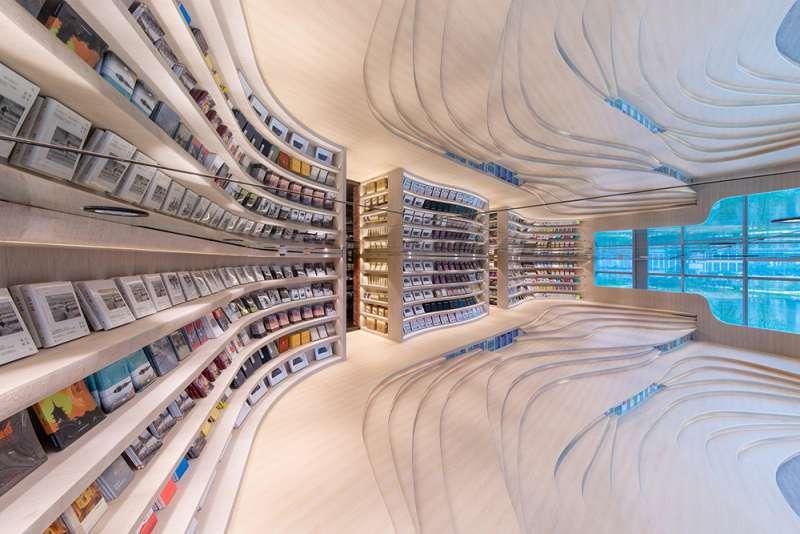 「中國最美書店」鐘書閣,新分店落腳於成都。(圖/瘋設計提供)