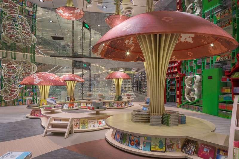 巨型蘑菇為孩子創造寧靜的閱讀天地。(圖/瘋設計提供)