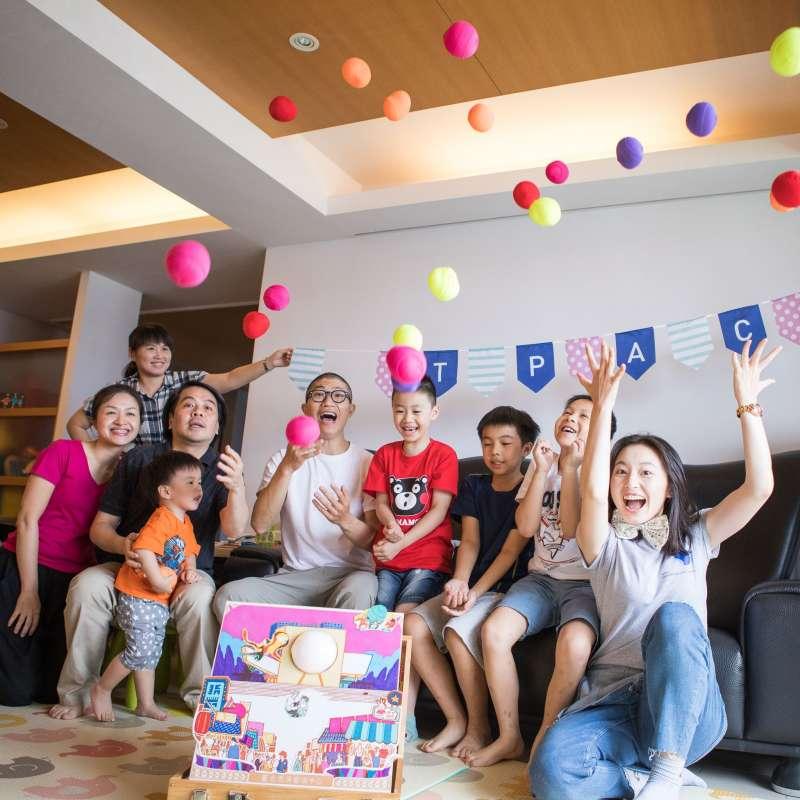 「藝術擴散」吸引了超過600個家庭報名。(圖/廣藝基金會提供)