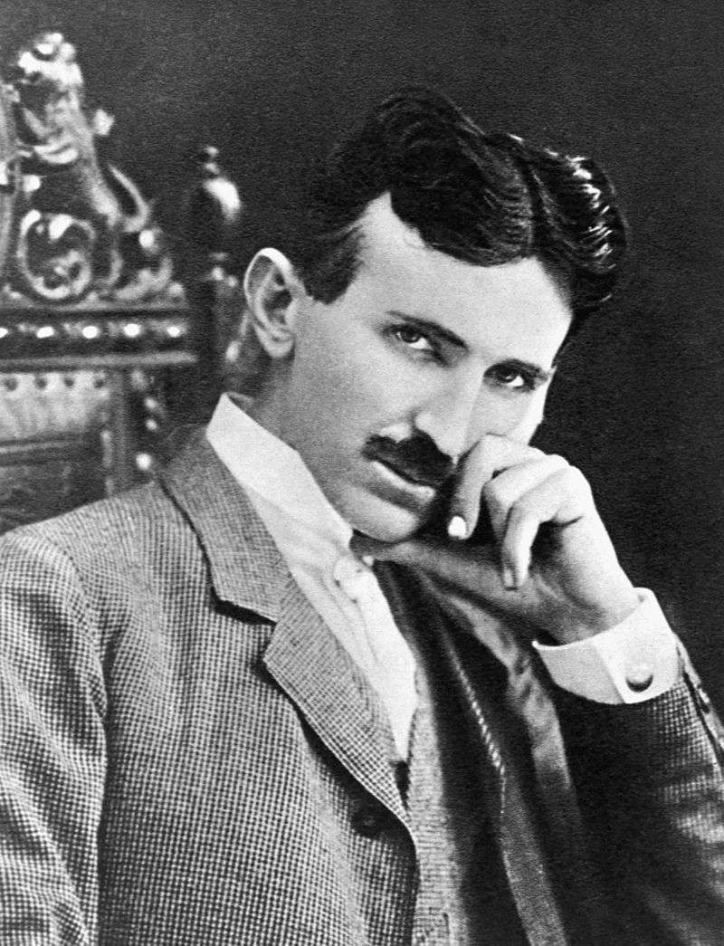 「交流電之父」特斯拉與愛迪生纏鬥多年,更多次被愛迪生陷害。