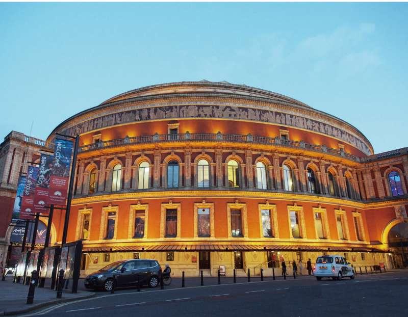 皇家亞伯特音樂廳。(圖/麥田出版提供)