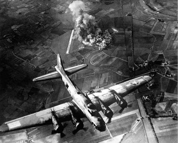 美軍對德國的戰略轟炸。(圖/澎湃新聞提供)