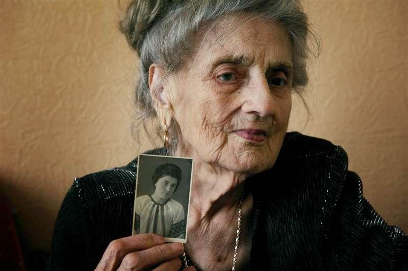 安娜今年89歲,她出生於烏克蘭,19歲時她被送到Norilsk集中營,名義是與德軍合作。(圖/言人文化提供)
