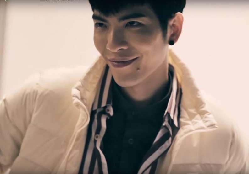 全家今年賣自有品牌羽絨外套和背心,請來蕭敬騰希望能在暖冬刺激買氣(圖/截自全家廣告畫面,遠見雜誌提供)