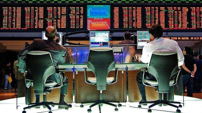 未來趨勢再也不是守著一支基金天長地久,而是隨時隨地省視投資組合,必要時透過人工智慧進行自動調整(圖/http://www.sbs.com.au)