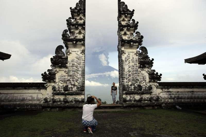 印尼峇里島,阿貢火山與百沙基母廟(AP)