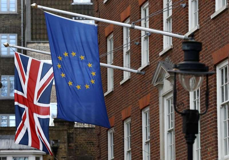 英國脫歐:英國保守黨國會議員倒戈,通過法案要求政府脫歐談判決議須經國會表決(AP)