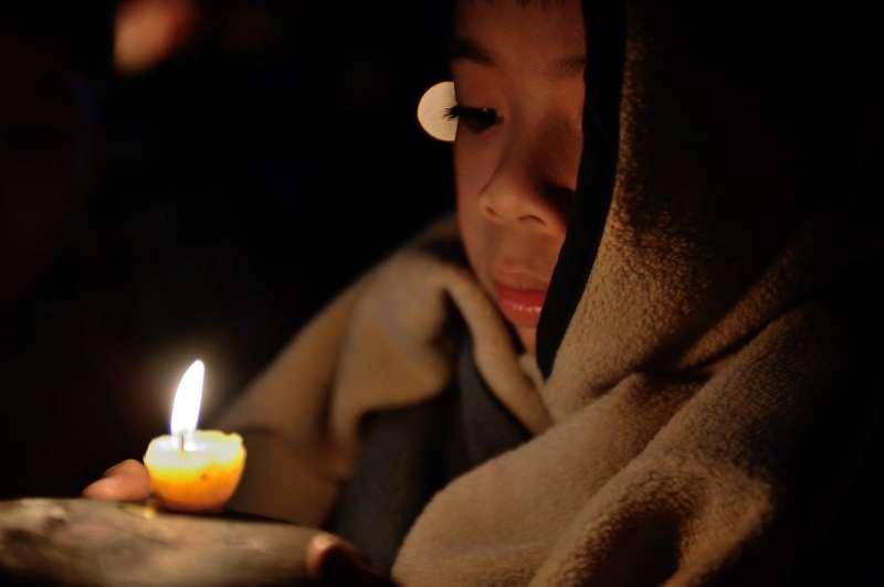 聖誕節與聖誕老公公其實是傳遞著-關懷親友、幫助窮人、愛人如己的精神。(作者提供)