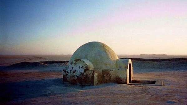 天行者居住的圓頂建築。(圖/澎湃新聞提供)