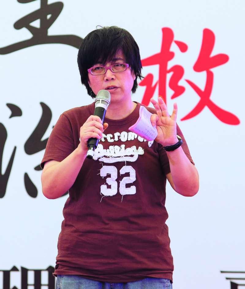 胞妹黃智賢與黃偉哲的政治認同相反,成為政壇熱議的八卦。(新新聞資料照)