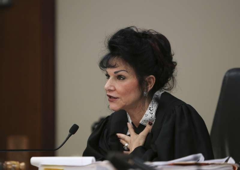 密西根州法官亞奎利那,直言這次判決形同對色魔醫生納薩爾的「死刑執行令」。(美聯社)