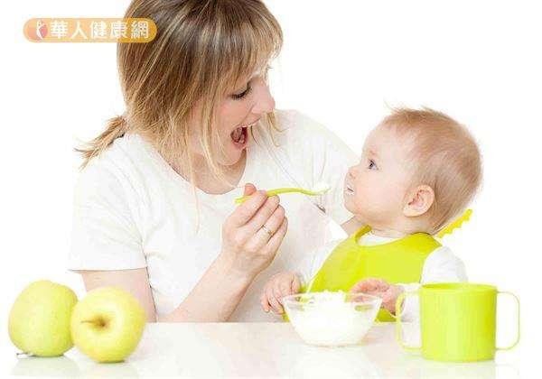 飯後可補充維生素C含量高的果汁或果泥,像是,柳丁汁、芭樂泥等,就是有利鐵質補充、吸收的好組合。(圖/華人健康網)