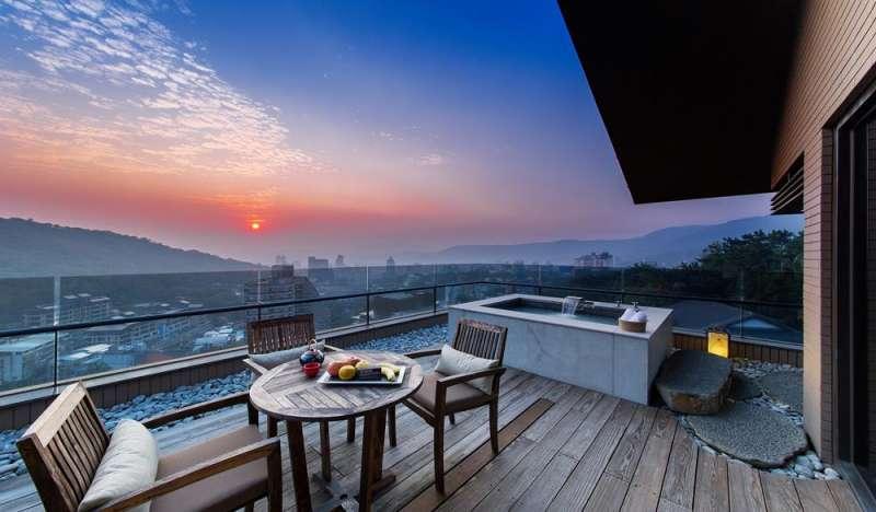 麗禧套房- 603房:偌大的室內空間,擁有低調沉穩奢華感。